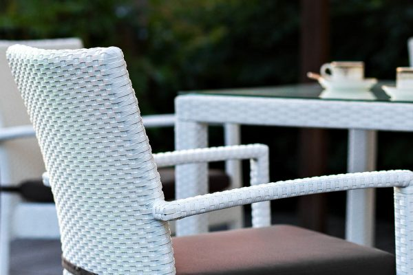 "Плетеный стул ""Milano white"" с подлокотниками"